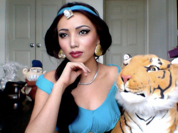 Makeup Artist Transforms Herself Into Disney Princesses Boozkie - This self taught cosplay artist can turn herself into any character