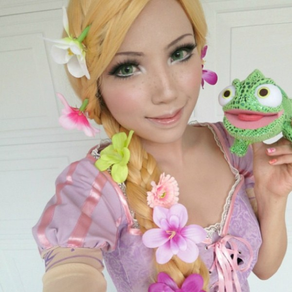 Makeup Artist Transforms Herself Into Disney Princesses