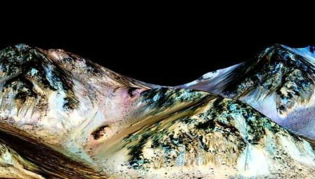 "NASA Finds ""Strong"" Evidence For Water On Mars"
